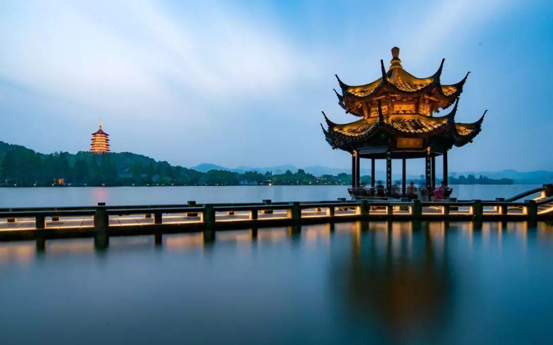2017杭州经济总量排名_杭州西湖图片